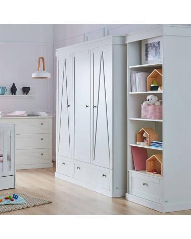 Armoire 3 portes blanche Marie dans une chambre