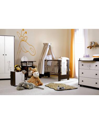 Chambre bébé avec une commode Girafe